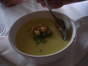 Green_garlic_soup